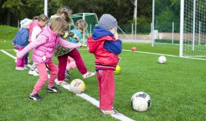 How kids can learn to play soccer?